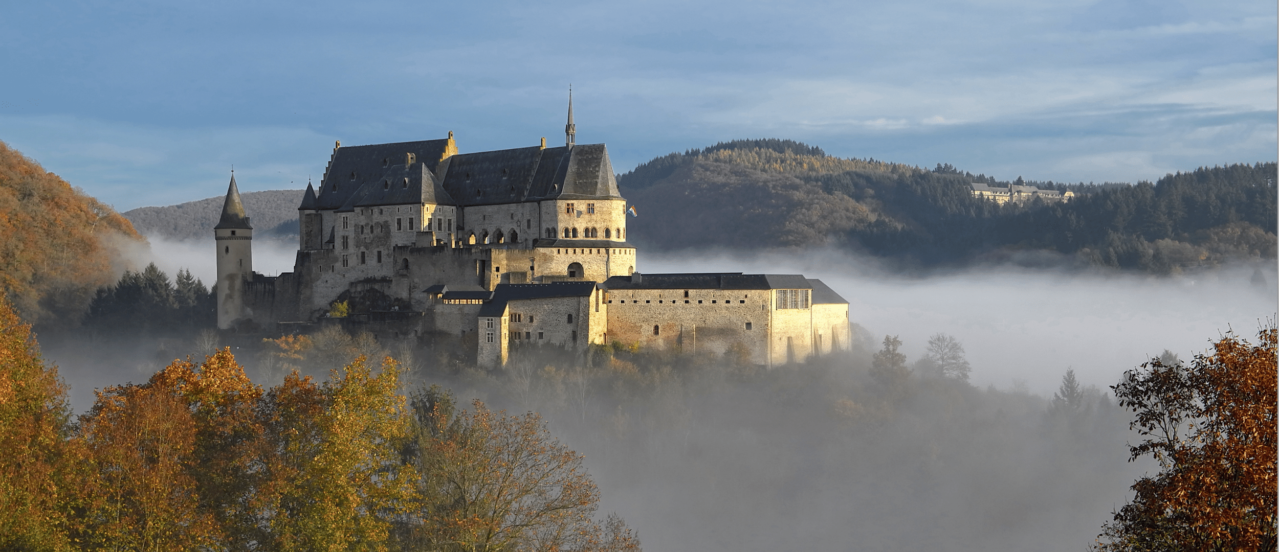 Exclusive Tour of Vianden Castle (Luxembourg) + Replay LIVE Q&A with Jessica Ersfeld & Josy Bassing